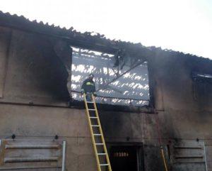 Nave de pollos incendiada en Borobia. Fuente: Diario de Soria.