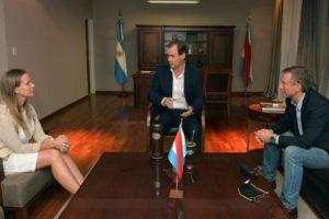 El presidente de Entre Ríos, Gustavo Bordet, reunido con los legisladores entrerrianos.